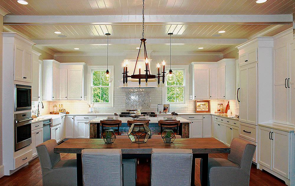 Large U-Shape Kitchen with Island